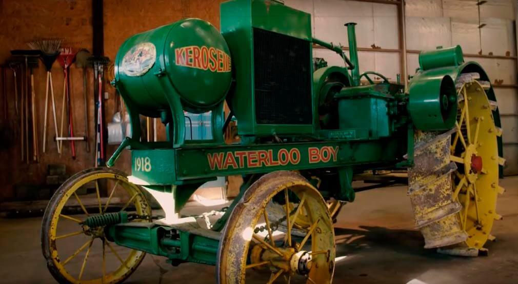 traktor-dzhon-dir